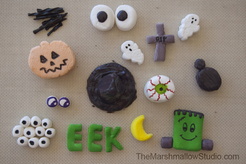 DIY - 10 ways to make Halloween cupcake toppers with marshmallows. Tutorial by TheMarshmallowStudio.com for KRAFT Jet-Puffed Marshmallows